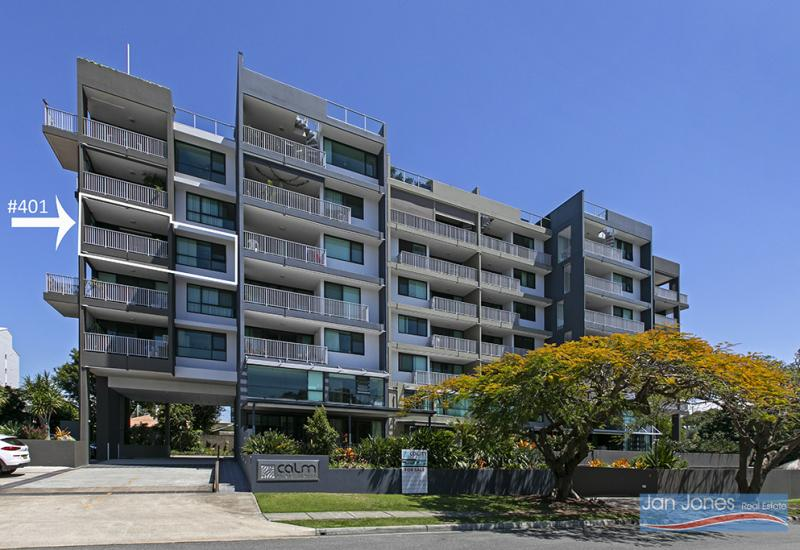 Neat and Spacious Modern Apartment Central Redcliffe