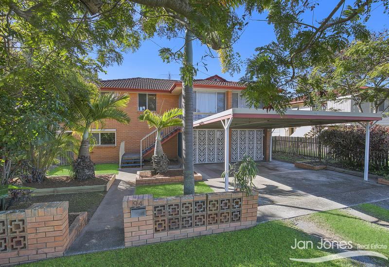 FABULOUS FAMILY HOME !!! -607 sq mtrs