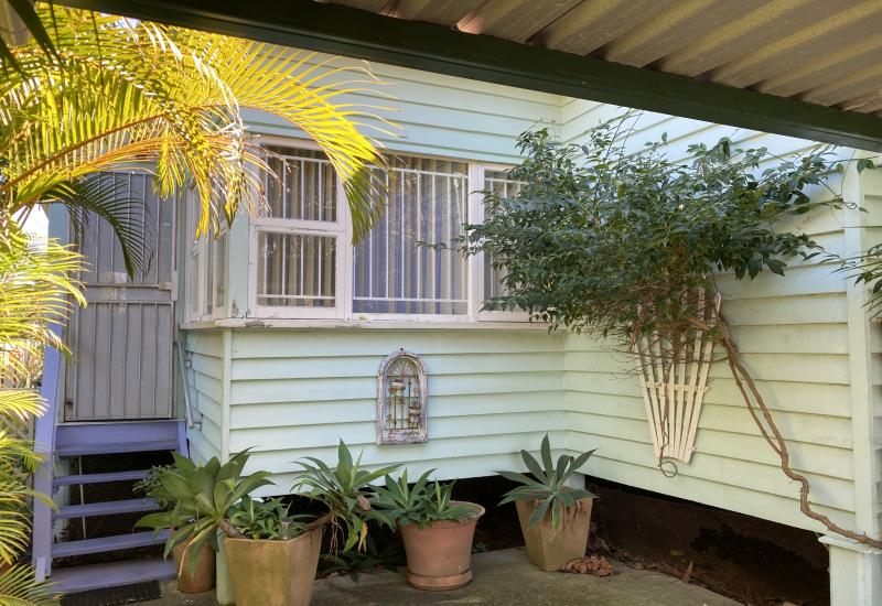 CUTE COTTAGE IN MARGATE !!!  -  SIDE ACCESS