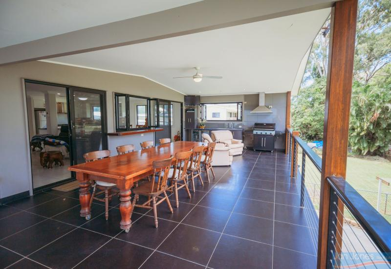 Exclusive Golf Course Location – Panoramic Views