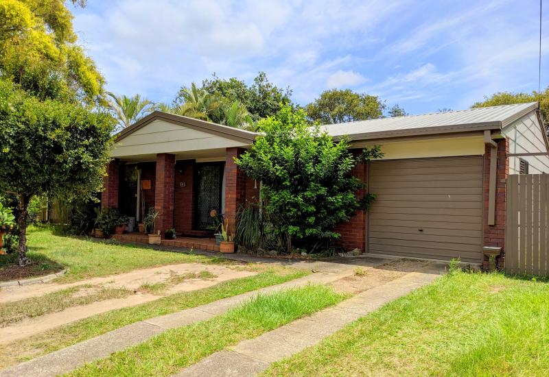 VALUE PACKED BUYING IN SOUGHT AFTER LOCATION!!