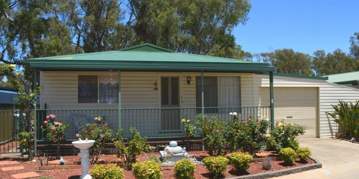 "Spacious Retirement Home ""Oasis Village"" Cobram"