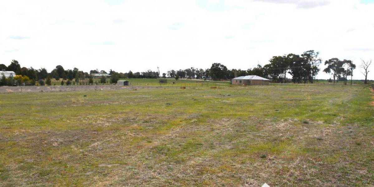 Choice Semi-Rural Home Site - Close To Town