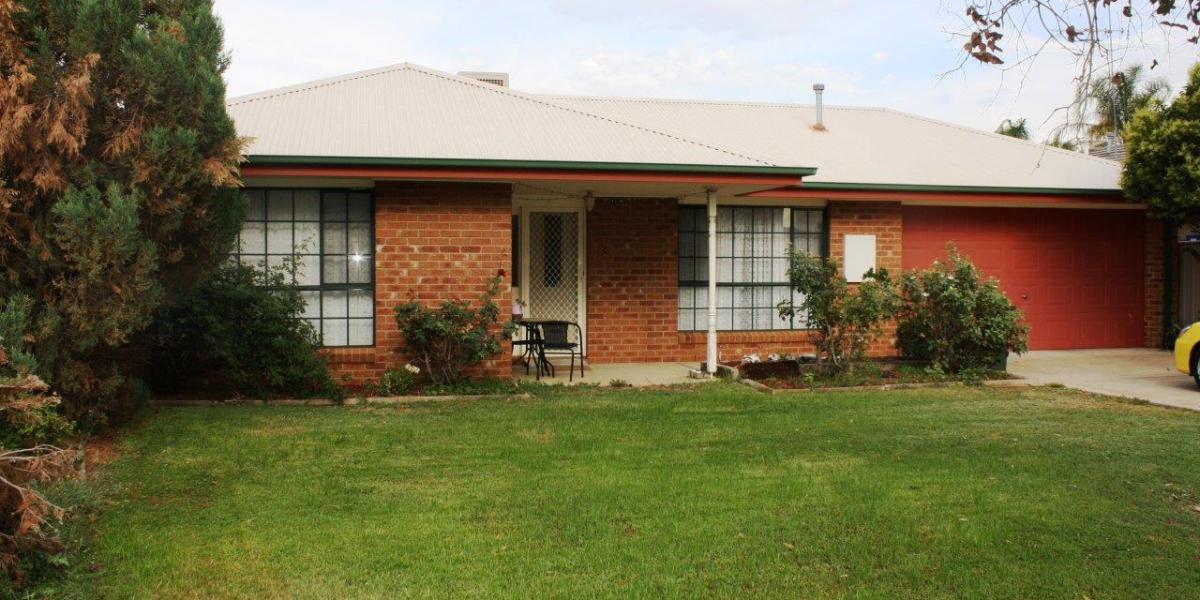 Brick Veneer Home in Great Location - 730m² Block