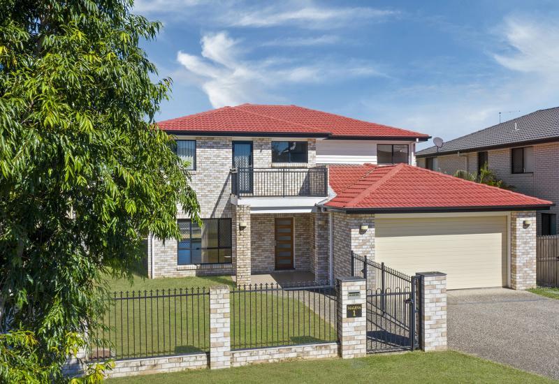 Sensational Home...4 Bedrooms + 4 Bathrooms