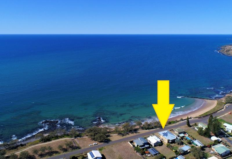 IMPRESSIVE HOME & GRANNY FLAT RIGHT AT THE BEACH!!!!