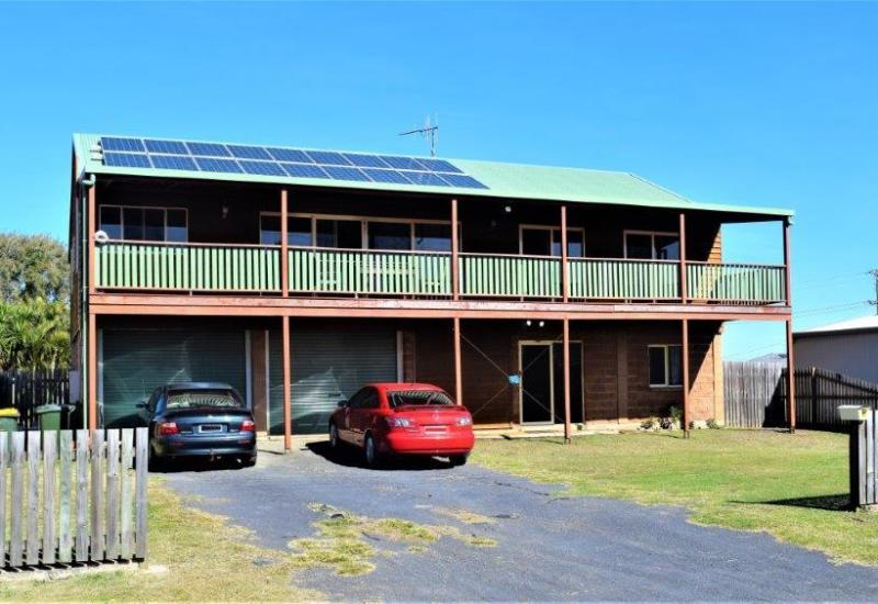LOCATION, SELF CONTAINED UNIT & SPACE!!