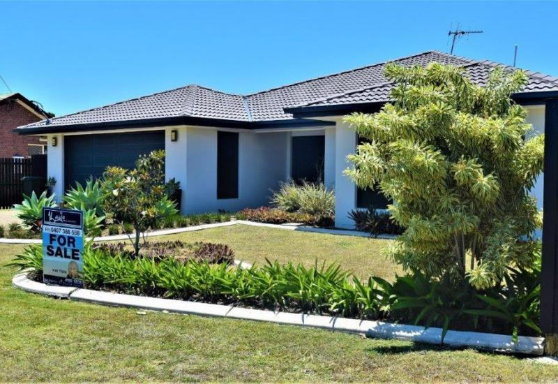 A BENCHMARK FOR FAMILY LIVING-CLOSE TO THE BEACH!!