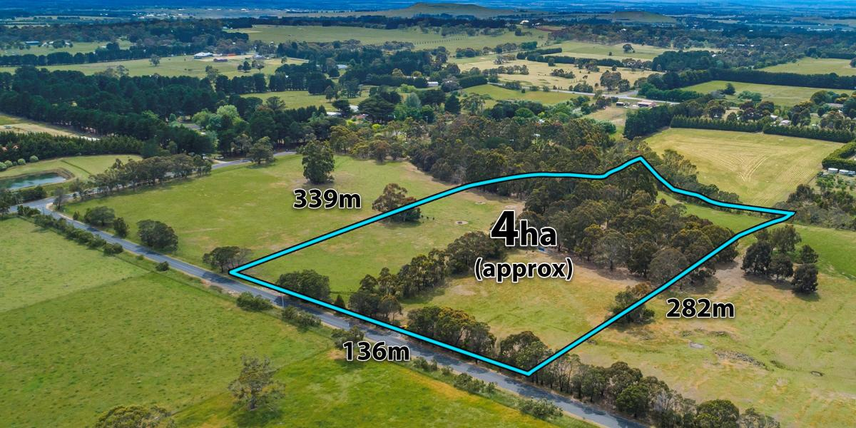 Stunning 10 acres (approx) in highly sought after location.  Awaiting your dream home (STCA)