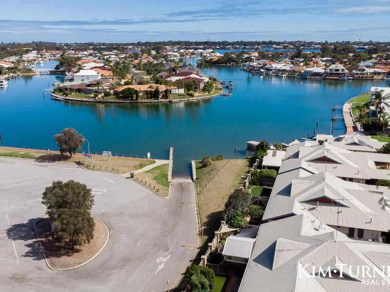 Affordable waterfront living with Boat pen Access