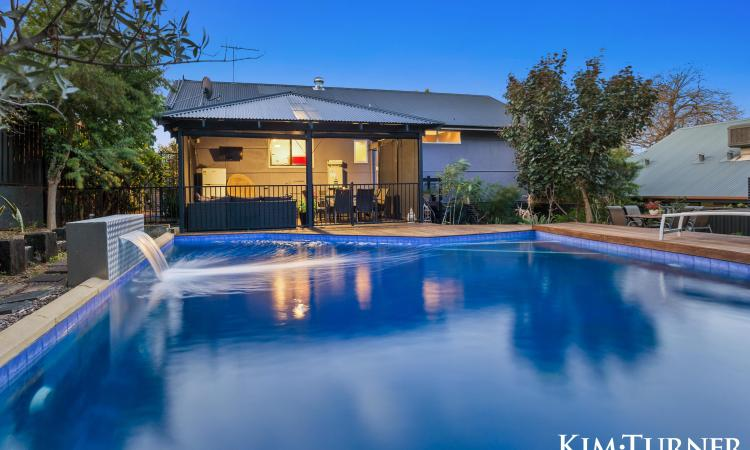 Renovated family Entertainer on 797m2 subdividable Block