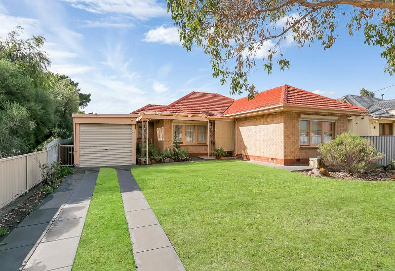AFFORDABLE SOLID BRICK FAMILY HOME IN NETLEY.