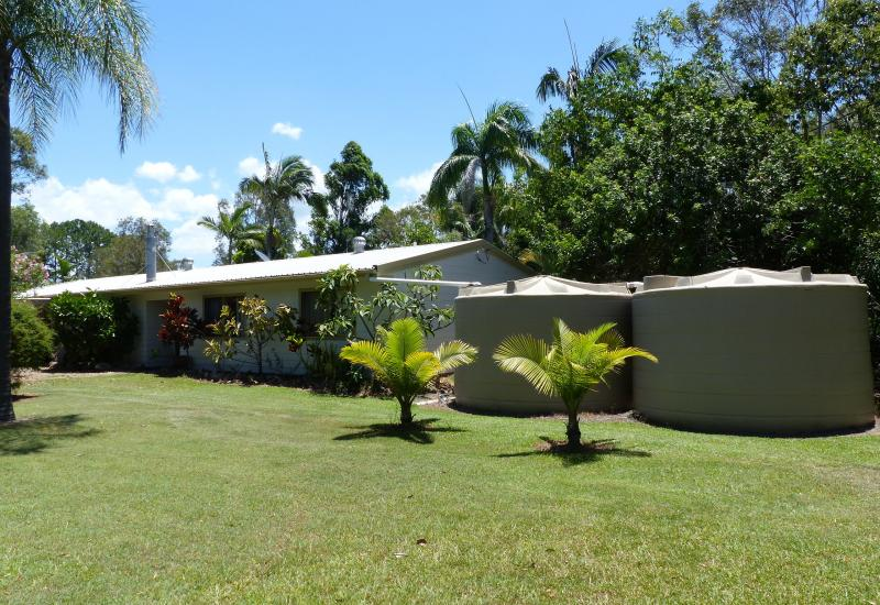 Cooroibah - GREAT FAMILY HOME ON 3 ACRES