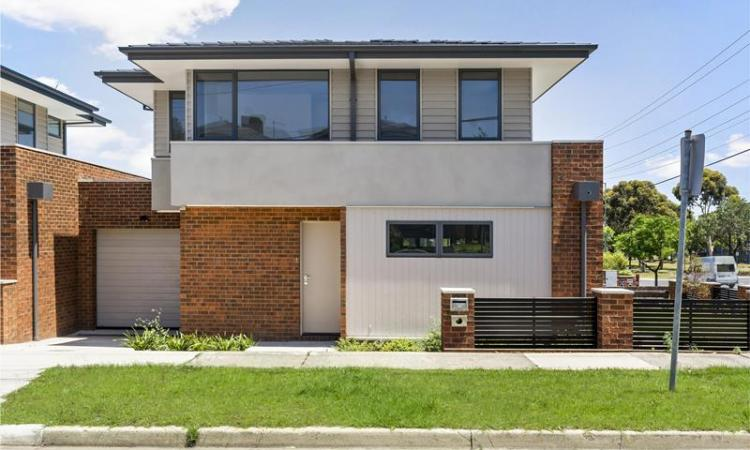 Completed Corner Block Townhouses in Oakleigh South with Own Driveway