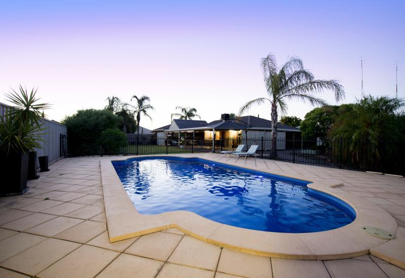 Double Block, 4 Bedrooms, ensuite & Swimming Pool