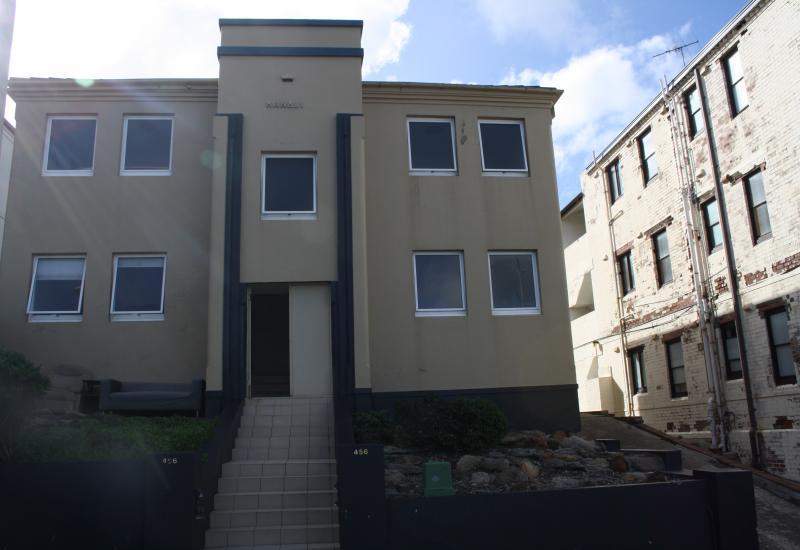 DEPOSIT TAKEN - Beach side apartment with Beach Views