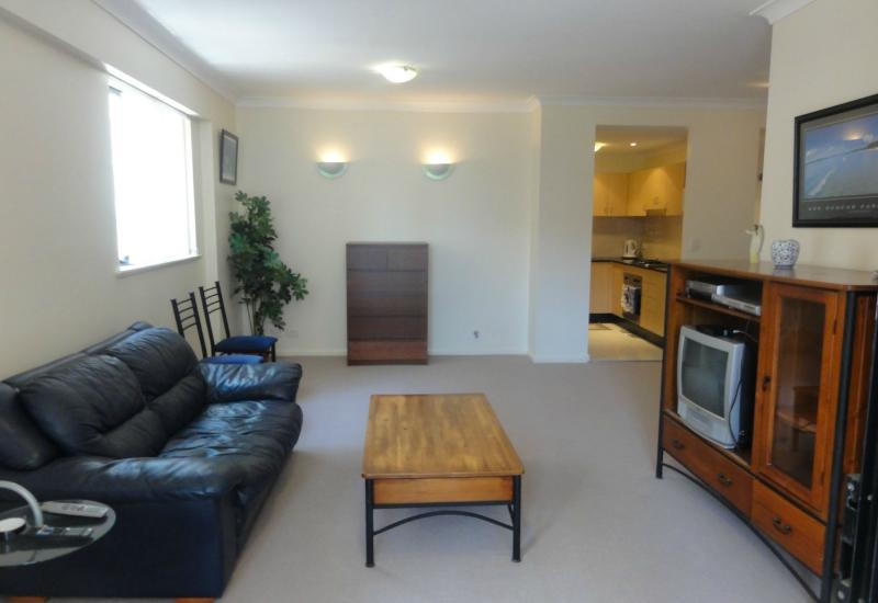 DEPOSIT TAKEN - Fully Furnished and Refurbished 2 Bedrooms, 2 bathrooms, Sec car space
