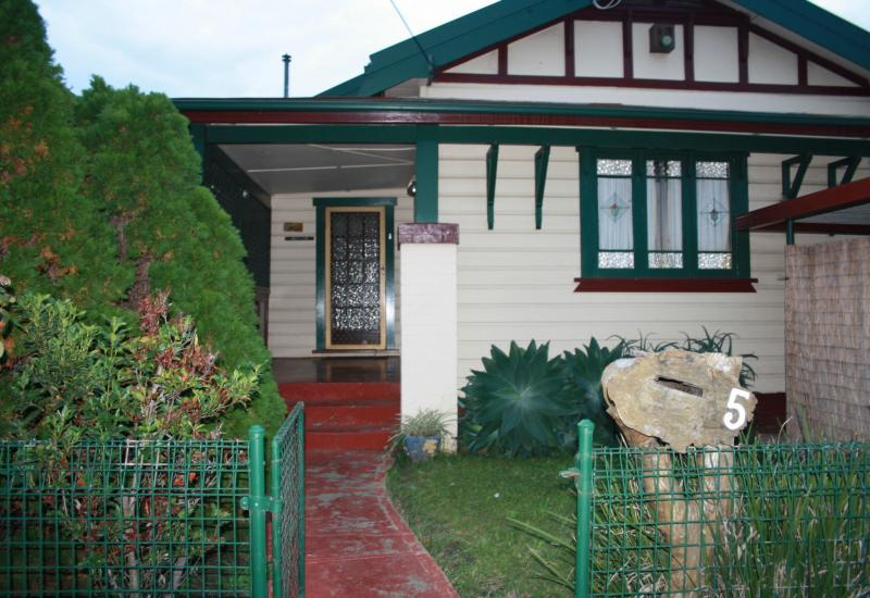 DEPOSIT TAKEN...........Well Maintained Large 3 Bedroom Cottage