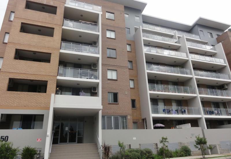 DEPOSIT TAKEN - Spacious, modern 3 Bedroom apartment in 'Holroyd Gardens'