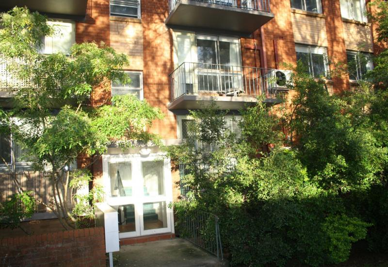 DEPOSIT TAKEN - CENTRALLY LOCATED APARTMENT