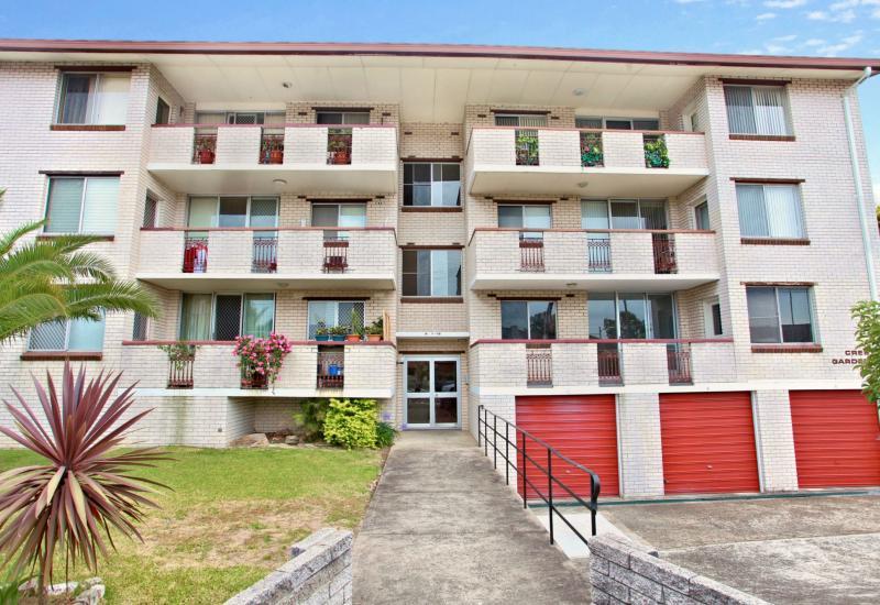 DEPOSIT TAKEN -Top Floor Location, Excellent Condition - 2 Bedrooms Plus Lock Up Garage