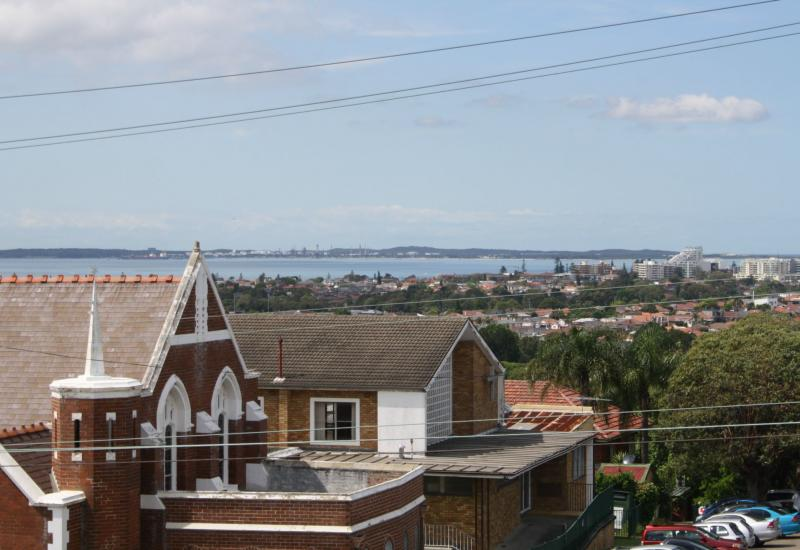 INSPECT MON 4 JAN : 10:30am-11:00am- Renovated Two bedroom apartment with distant water views
