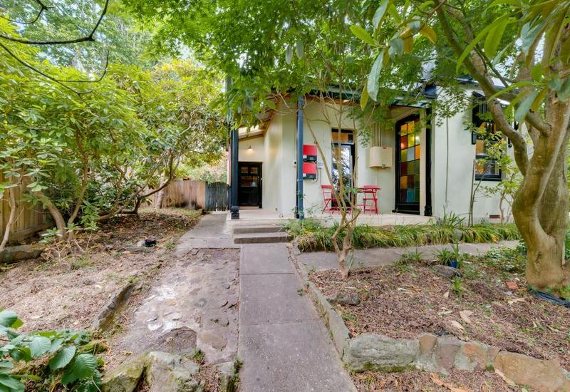 Eclectic Spacious Residence - Walking Distance to Leura Mall
