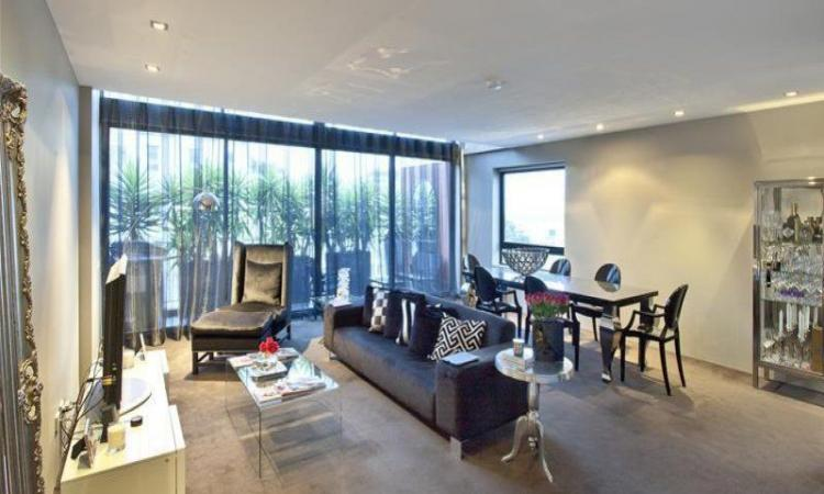 'THE REX' - Dual level apartment with Northerly Harbour views