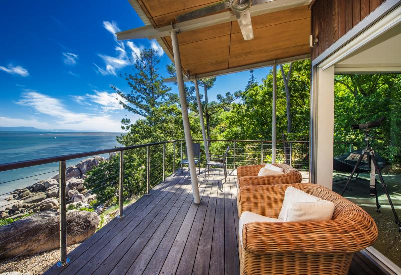 Unsurpassed views - luxury oceanfront living
