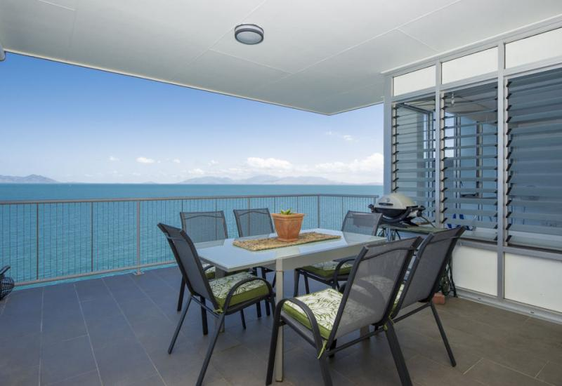 Top Floor Absolute Oceanfront Corner Premium Apartment