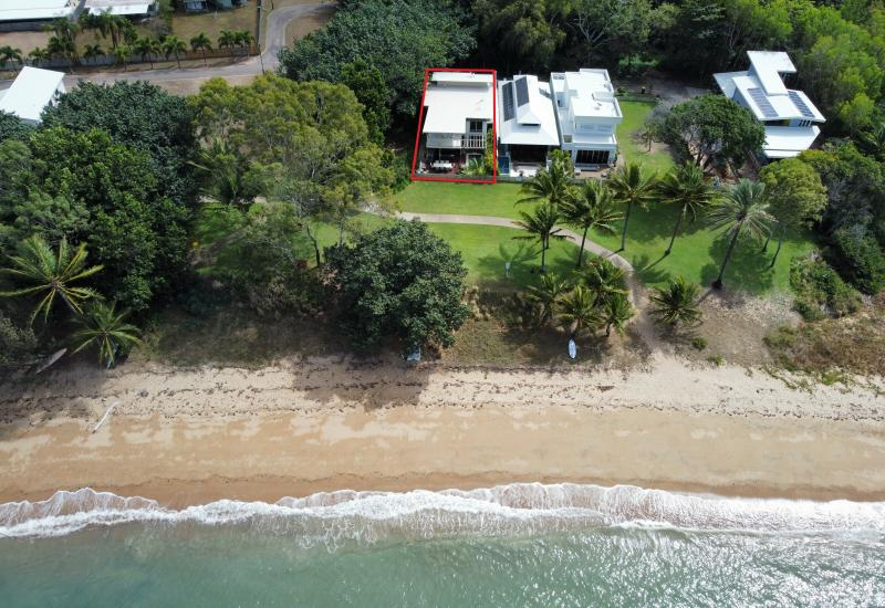 Beachfront Home - Picnic Bay