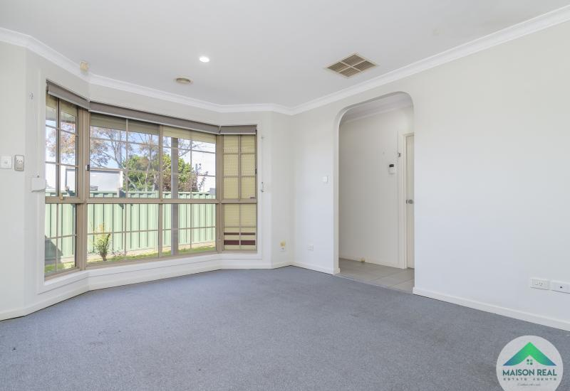 Open Plan Living, Street Frontage & Perfectly Positioned!