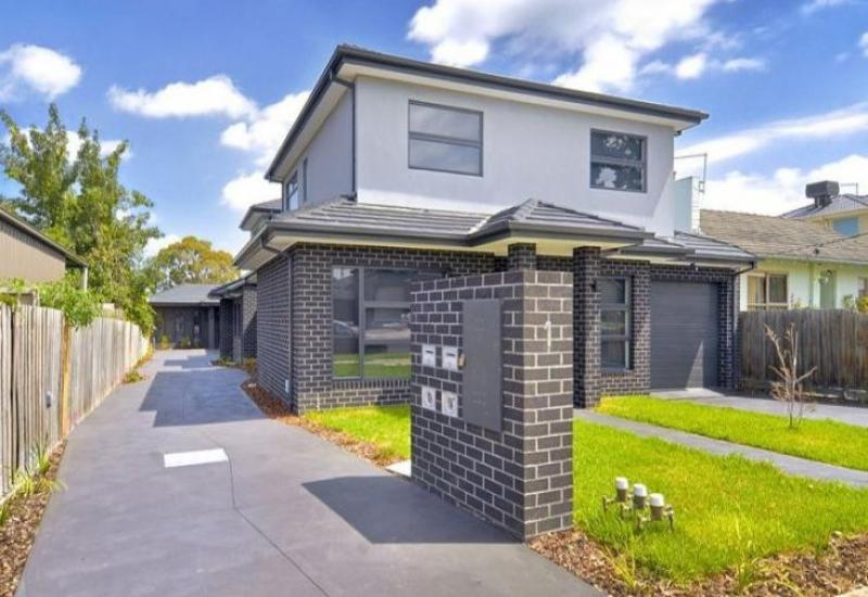 Spacious Family Home with Separate Driveway