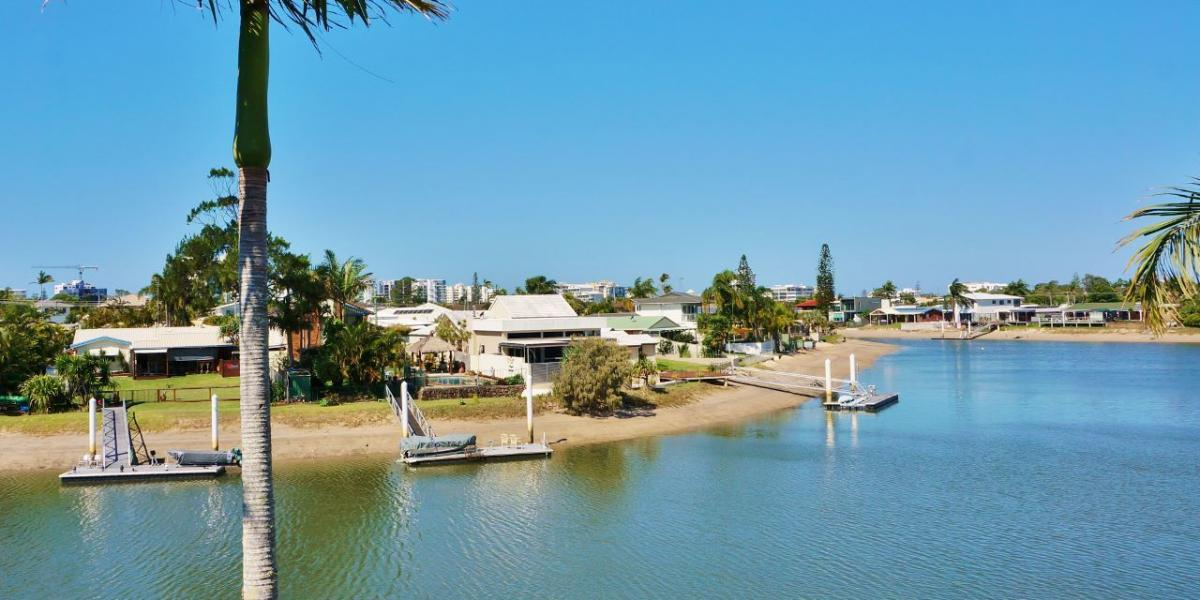 Superb Outlook with Waterfront Access!