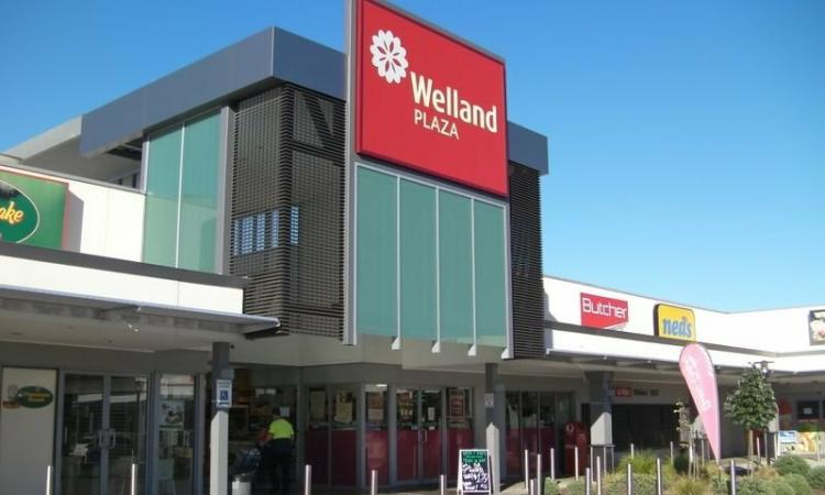 INTERNAL RETAIL SPACE IN DOMINANT SHOPPING CENTRE - $40,000p.a. + Outgoings + GST 123 SQM APPROX.