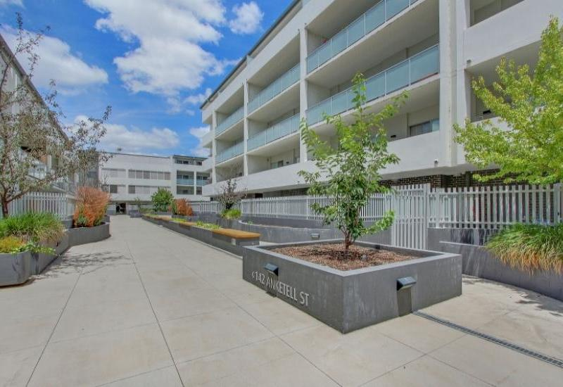 Stylish, Modern Apartment with Northerly Aspect!