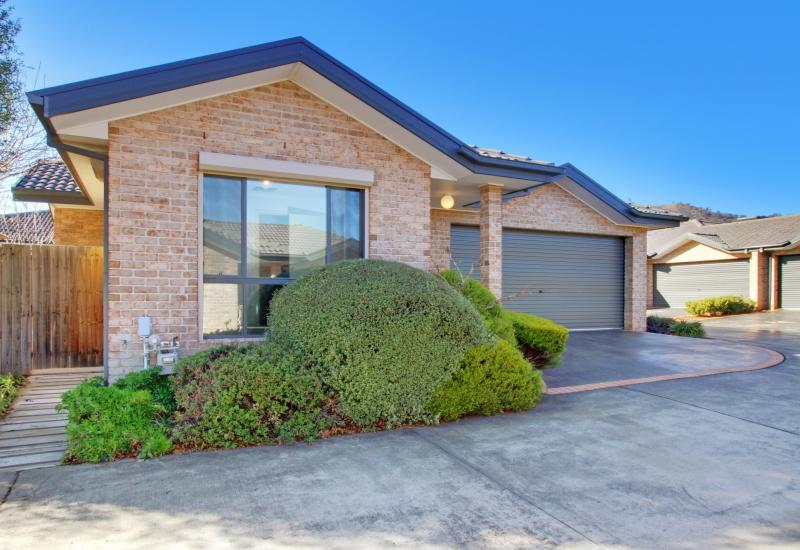 Beautifully Presented Single Level Home!