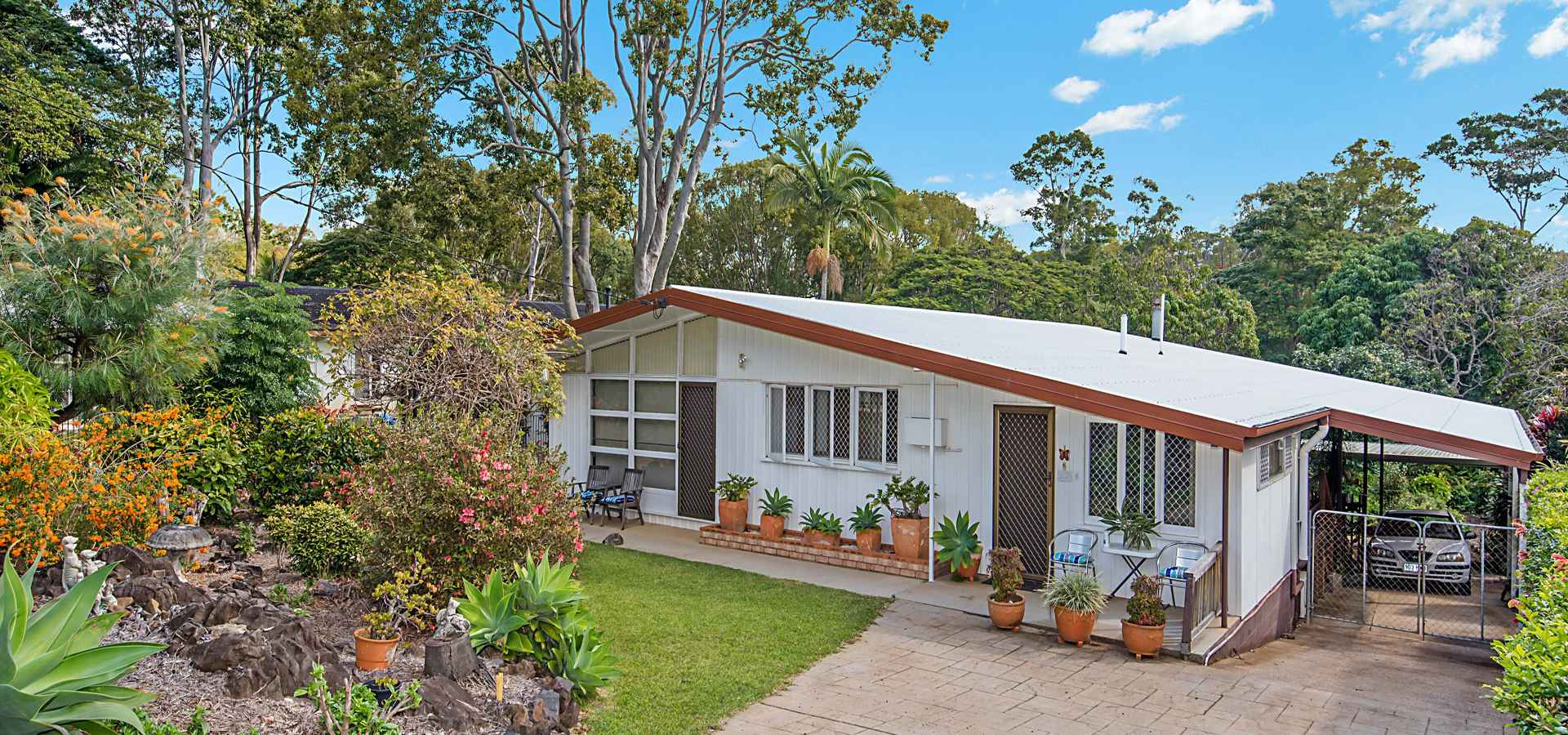 ENVIABLE LOCATION ON TOP OF BUDERIM ON LARGE 1214M2 BLOCK