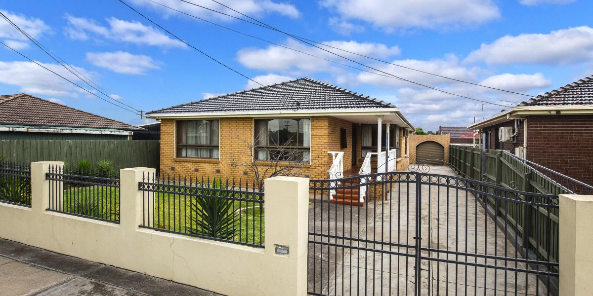 PERFECTLY LOCATED 4 BEDROOM FAMILY HOME!