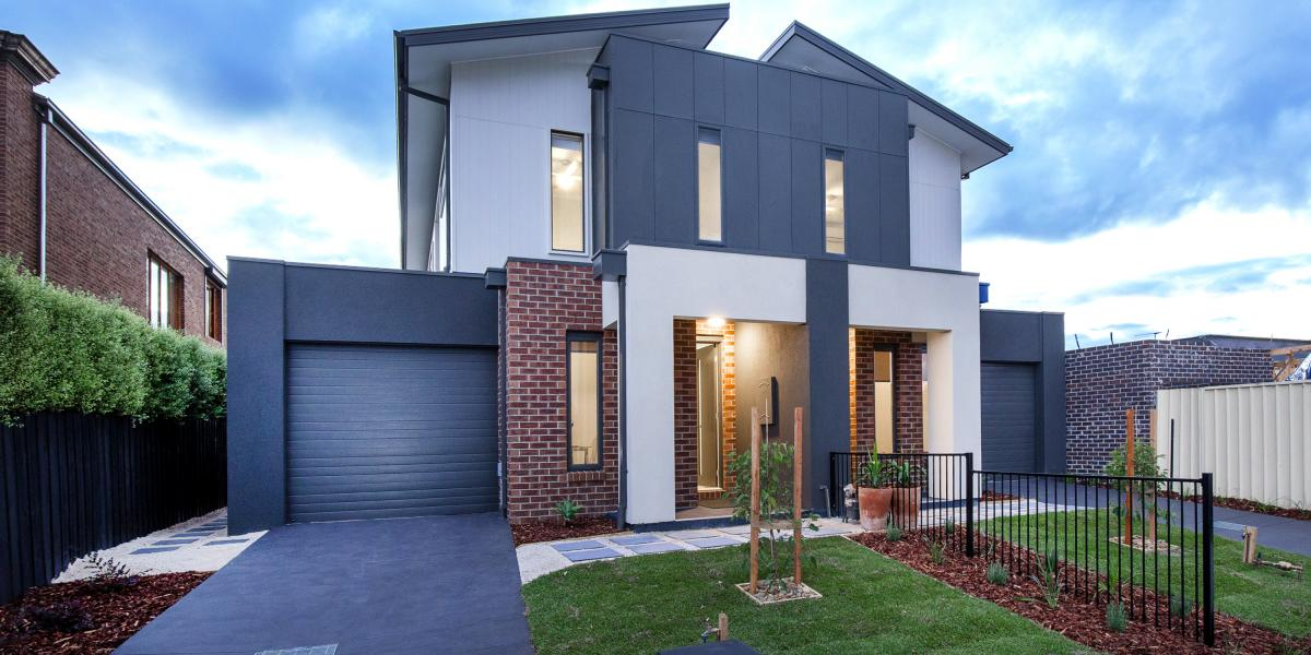 EXCEPTIONAL BRAND-NEW TOWNHOUSE IN BLUE CHIP STREET!