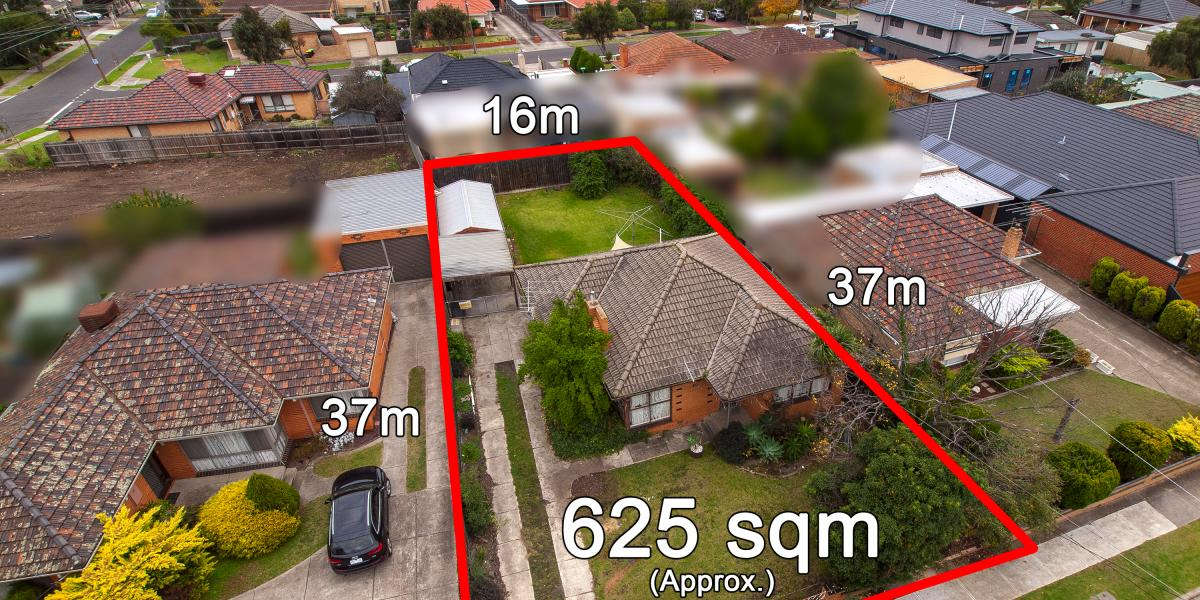 LAND, LOCATION AND POTENTIAL WITH 18M FRONTAGE!