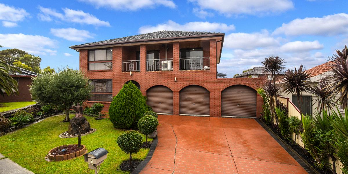 QUALITY BUILT FAMILY HOME IN COURT LOCATION!
