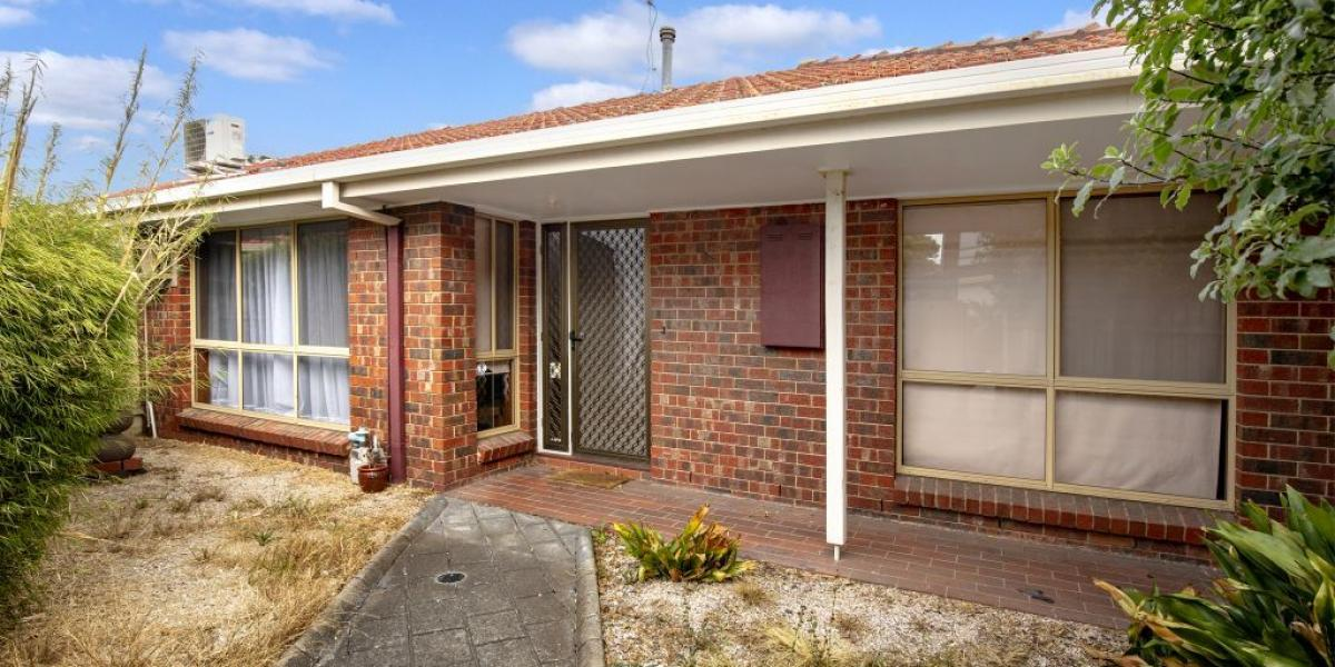 AN AFFORDABLE OPTION IN THE EXCLUSIVE ST BERNARD'S ESTATE!