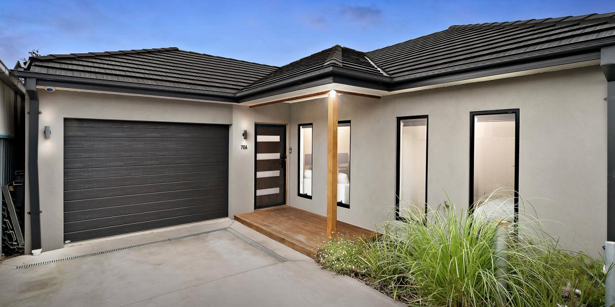 Stylish and Secluded with Central Convenience!