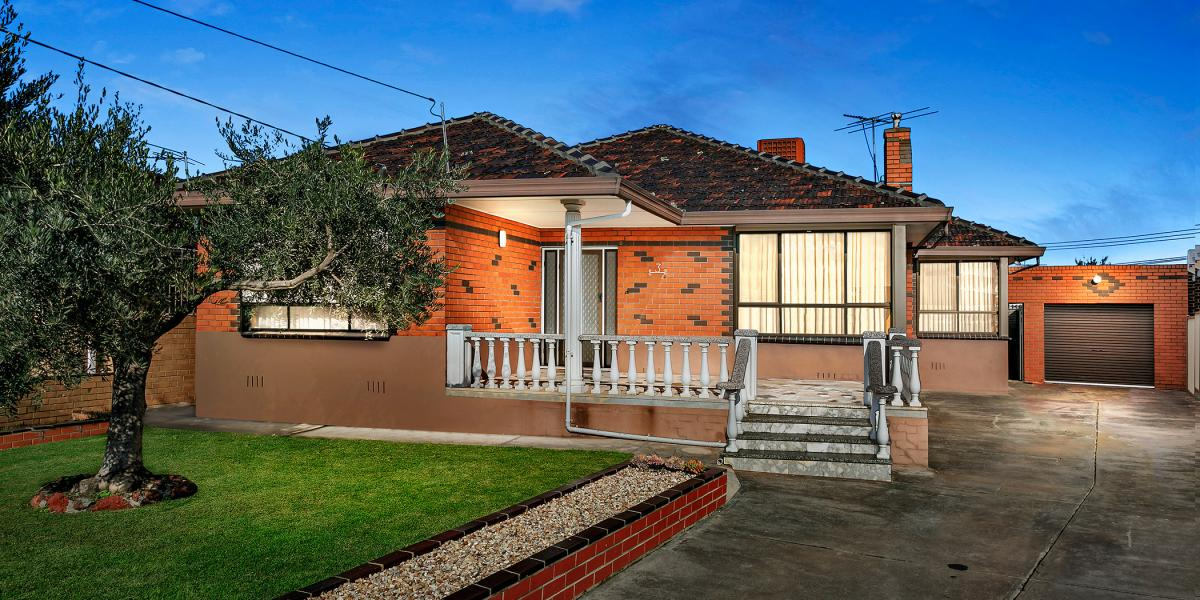 Immaculate Home In Prime Location !