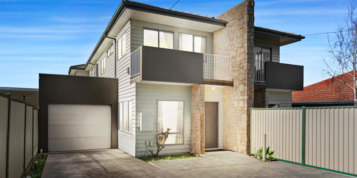 SUPERB CENTRAL LIVING - THE SIZE WILL SURPRISE!