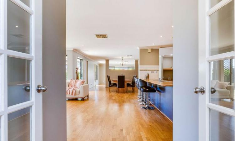 TRIPLE GARAGE, LARGE RENOVATED FAMILY HOME - REDUCED PRICE