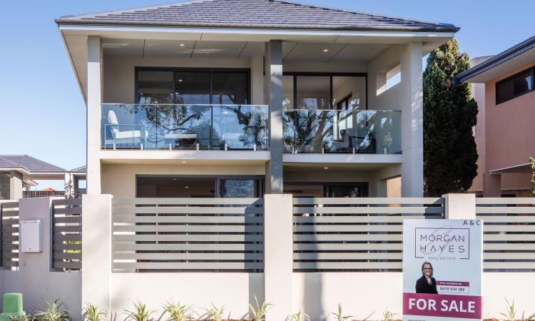 UNDER OFFER - WHEN EXCEPTIONAL MEETS RIVER PRECINCT!