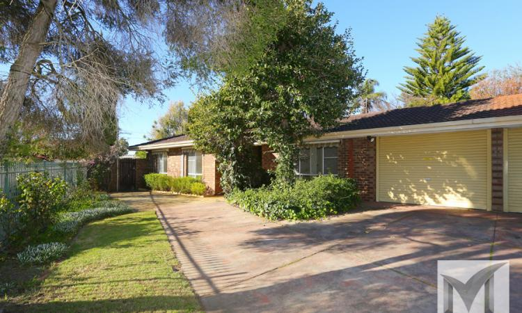 A GREAT BUY IN THE WILLETTON HIGH SCHOOL ZONE!
