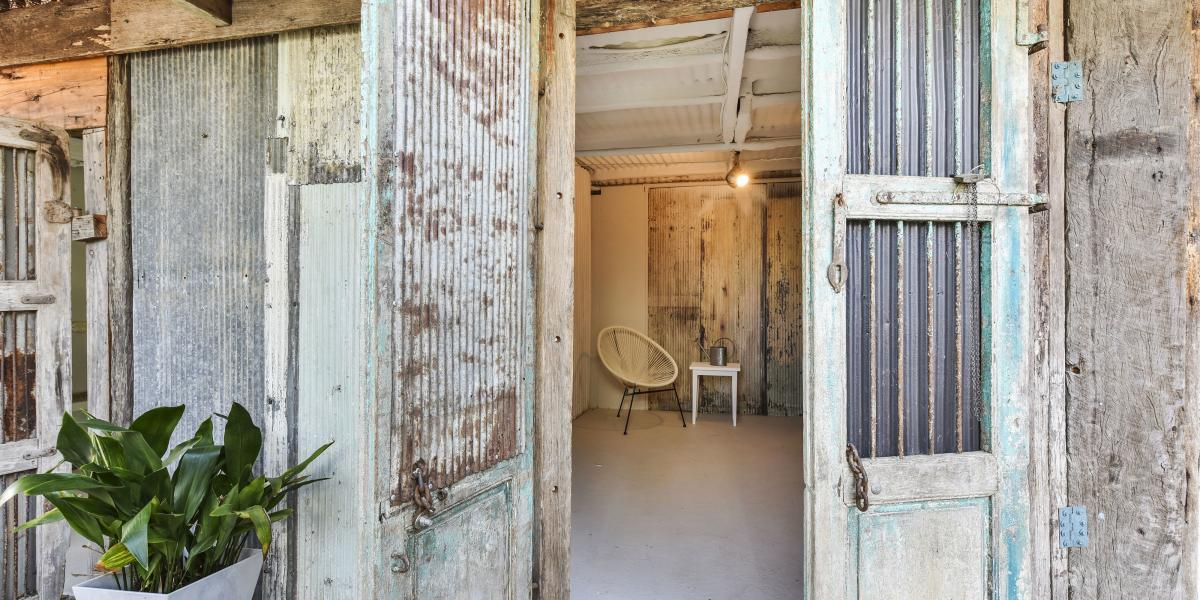 Recently Renovated - Commercial Opportunity Right in The Heart of 'Historic Wollombi'